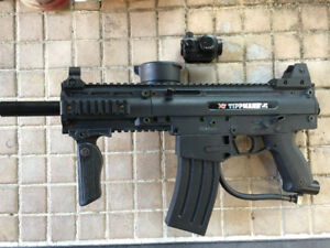 Tippmann X7 with attachments