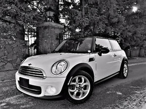 2013 Mini Cooper Automatic Only 30,000 Km Certified Nice