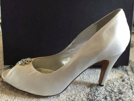 Size 10 bridal shoes Cronulla Sutherland Area Preview