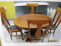 Antique Dining Table (Oak)