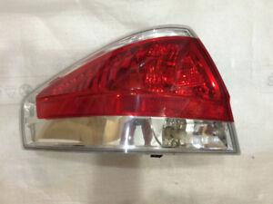Lumière arrière coté conducteur Ford Focus Sedan 2007-2011 OEM