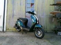 Brand new SINNIS Encanto 50cc retro scooter moped learner legal stylish classic