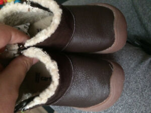 Like new size 3 infants Carters crawl boots