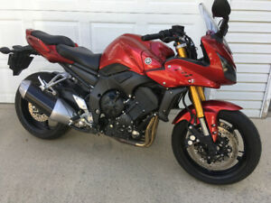 2006 Yamaha FZ1 - Super low kms.
