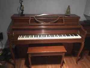 Apartment sized Mason & Risch Piano (includes delivery) Kitchener / Waterloo Kitchener Area image 1