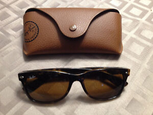 "Like New - Woman's ""Ray-Ban Wayfarer "" Sunglasses"