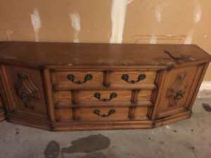 Large old fashioned console table Windsor Region Ontario image 1