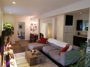 4 1/2 pointe-claire village apartment!