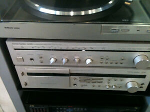 H/K Receiver H/K Tape Deck with Turntable & 3 Way speakers 5LP's