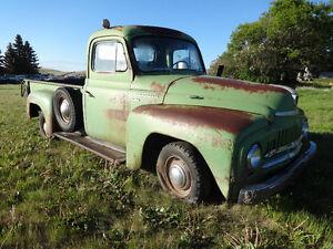 1952 international 1/2 ton truck L-110