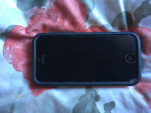 iPhone 5c WHITE with otter box