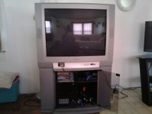 T V with Games Console. 32 INCH Screen. Great Picture.