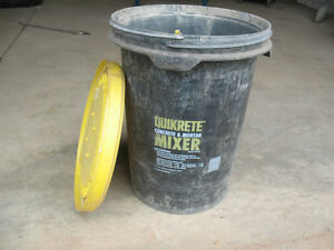 Qwikrete Concrete and Mortar Mixing Bucket London Ontario image 1