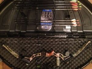 *WEEKEND PRICE DROP* PSE Mach10 Compound Bow Package