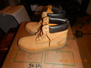 Size 12 Timberlands - Natural