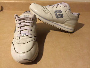 Women's Guess Sport Shoes Size 9 London Ontario image 7