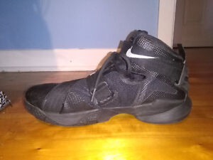 Lebron Soldier XI  Basketball Shoes