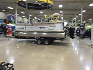 2013 Starcraft pontoon