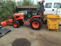 "2012 KUBOTA B2320 Tractor with 50"" blade & Norman drop Salter"