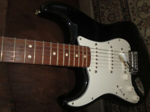 MADE IN MEXICO FENDER STRAT LEFT HANDED GUITAR MINT $500