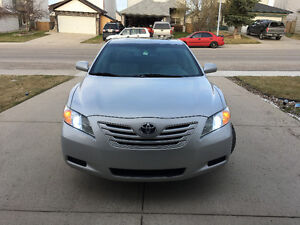 2007 Toyota Camry V6 LE 2 SETS OF TIRES!