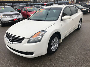 2009 Nissan Altima 2.5S SEDAN...PERFECT CONDITION.