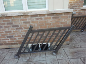 Exterior Aluminum railing for out door steps.