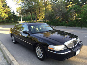 2009 Lincoln Town Car  (Winter tires+ PROPANE) E-TESTED