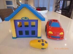 Auto téléguidée avec garage