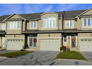 ANCASTER MEADOWLANDS - LARGE TOWNHOME AVAILABLE NOW