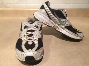 Women's Nike Impact Support Running Shoes Size 8 London Ontario image 6