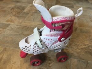 Girls Roller Skates Adjustable size 3-6 plus gloves & elbow pads