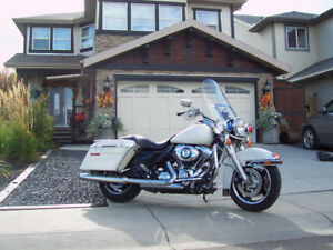 2010 POLICE SPECIAL ROAD KING 103-6SPD