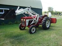 IH 434 TRACTOR WITH 1501 LOADER