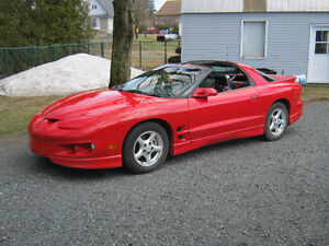1999 Pontiac Firebird t-top Coupé (2 portes)