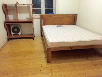 burwood single room in house 3 mins station