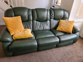 2 seater lazyboy leather sofa