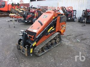 2015 Ditch Witch SK850 Mini Skid Steer.. Only 331 Hrs.  Like New