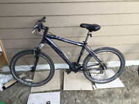 24 Speed, Schwinn Hydra, Excellent Condition, Hybrid Tires