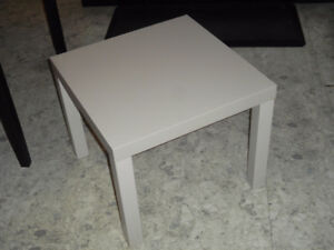 Table IKEA grise