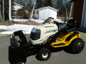 Club Cadet Lawn TractorWith Snowblower