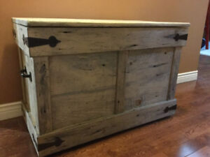 Rustic Coffee Table/Trunk/Toy Box