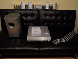 Samsung HT-DB600 5.1 Channel Home Theater System GREAT CONDITION