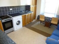 Festival Let - 4 Bedroom Festival Flat Ideally Located next to the Meadows.