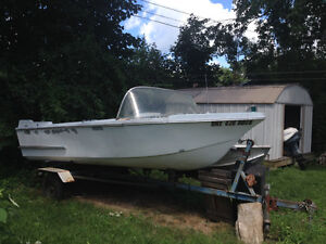 FREE 17 ft Fiberglass Boat London Ontario image 1