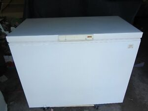 KENMORE 9 CU FT DELUXE CHEST FREEZER