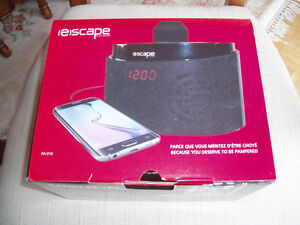 ALARM CLOCK RADIO FOR ANY APPLE DEVICE West Island Greater Montréal image 1