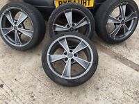 "Set of 4 18"" Wolfrace Alloys with wobble bolts and locking wheel bolts"