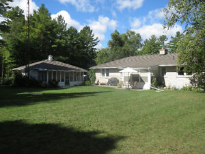 Bobcaygeon Bungalow c/w 2 Car Garage and Large Shop For Sale Kawartha Lakes Peterborough Area image 3