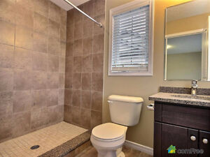 Executive townhouse (end unit) in immaculate condition! Kitchener / Waterloo Kitchener Area image 4
